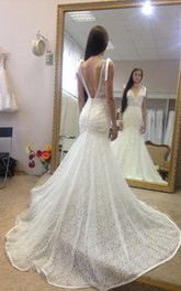 Deep-V Neck Sleeveless Mermaid Lace Gown With Deep-V Back