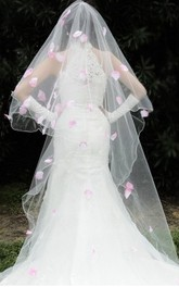 Korean Style 3 Meters Long Tailed Veil with Pink Petals