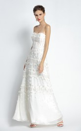 A-Line Floor-length Sweetheart Sleeveless Prom Dress with Appliques and Flowers