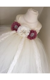 Scoop Neck Cap Sleeve Empire Pleated Tulle Ball Gown With Waist Flowers