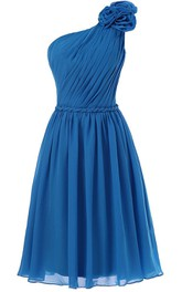 One-shoulder Appliqued Strap Knee-length Pleated Chiffon Dress