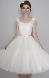 Lace Vintage Cap Sleeve Tea length V-neck Tulle Wedding Dress With Buttons