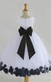 Simple Ball Gown Chiffon and Tulle Sleeveless Sash Bow Flower Girl Dress