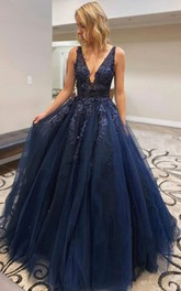 Tulle Floor-length Ball Gown Sleeveless Modern Prom Dress with Appliques and Beading