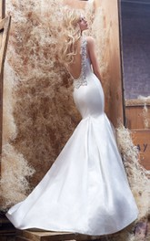 Magnificent V-Neck Satin Mermaid Gown With Beaded Applique Embellishment
