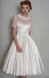 A-Line Knee-Length Bowed Short-Sleeve Satin Wedding Dress