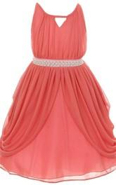 Sleeveless A-line Pleated Dress With Key-hole Neck