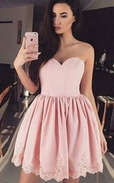 A-line Ball Gown Sleeveless Lace Sweetheart Short Mini Homecoming Dress