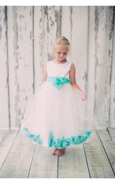 Scoop Neck Sleeveless Tulle Ball Gown With Flowers