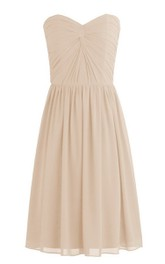 Sweetheart Short Dress With Pleats and Knot Detail