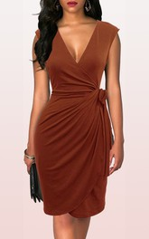 Jersey Knee-length Sheath Short Sleeve Modern Dress with Draping and Ribbon