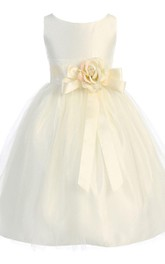 Sleeveless A-line Tulle Dress With Flower