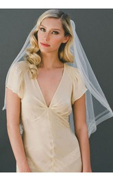 Retro Simple White Single Layer Wedding Veil With Insert Comb