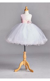 Scoop Neck Sleeveless Empire Tulle Ball Gown With Flower Sash