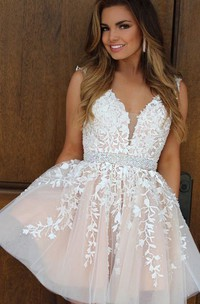A-line Ball Gown Sleeveless Lace V-neck Zipper Short Mini Homecoming Dress