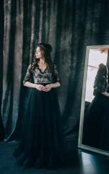 Wedding Dress Sheath Black V-neck Long Sleeve Illusion Low-V Back Lace