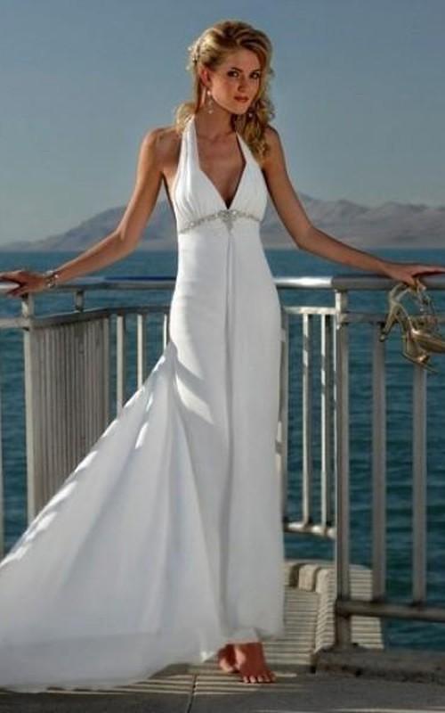 Empire V-neck Court Trains Sleeveless Tulle Beach Wedding Dresses for Brides